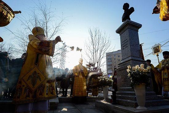 Можно и нужно ли оставлять крест вместе с памятником 30