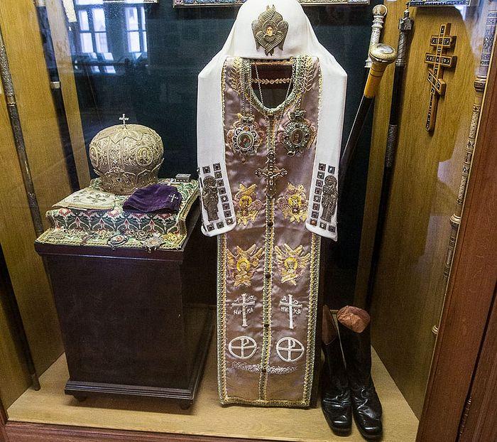 Облачение и личные вещи Святейшего Патриарха Алексия I