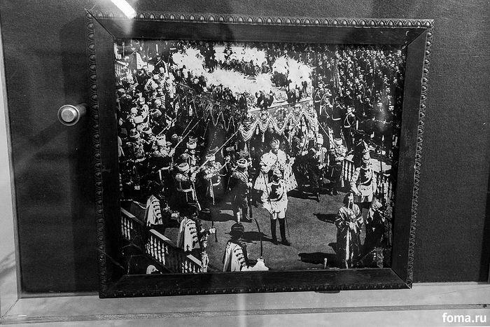 Николай II на прославлении преподобного Серафима Саровского. Крестный ход. Оригинал фотографии