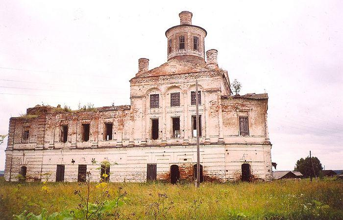 Так выглядел храм села Вотча 10 лет назад