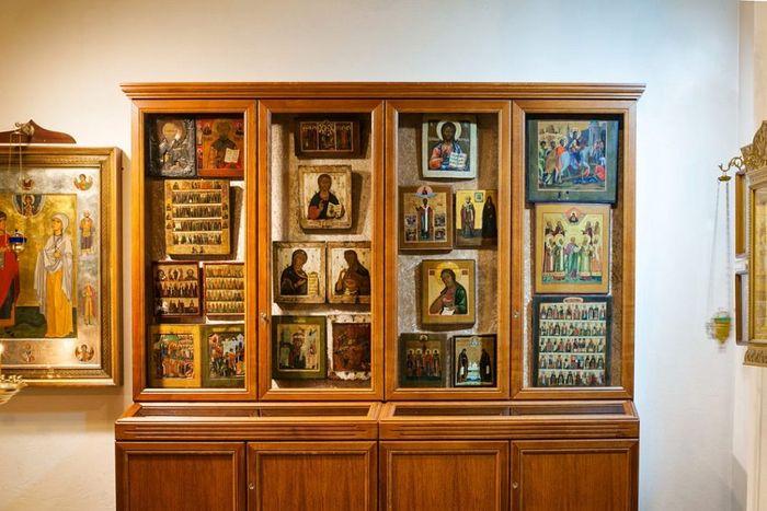 Бывший солдат Вермахта передал русскому храму коллекцию древних икон 255246.b