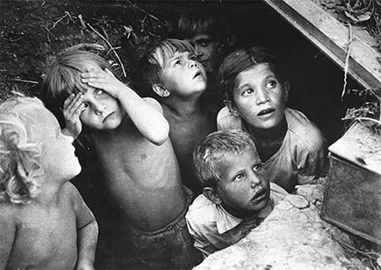 Бомбежка. 1941 год. Фото Б. Ярославцева
