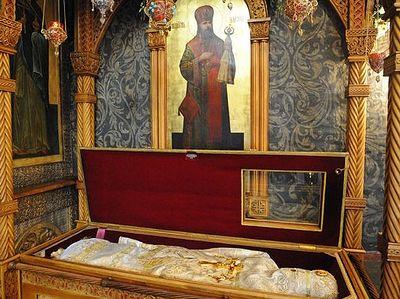 Божественная литургия в Сретенском монастыре в день памяти священномученика Илариона, архиепископа Верейского