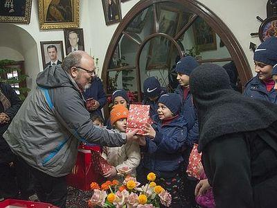 Православная делегация из России поздравила с Рождеством детей из приюта женского монастыря в Сирии