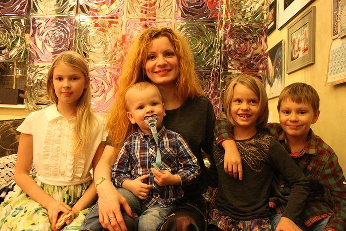 Наталья Москвитина с детьми