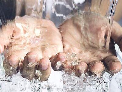 Умыть руки: зачем мне молитвенные правила?