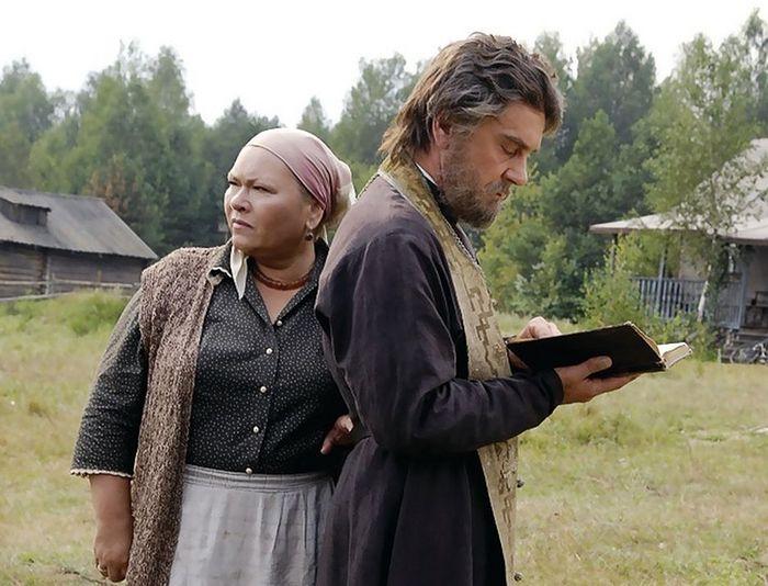 """Кадр из фильма """"Поп"""" (2010)"""