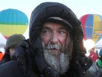 Священнослужитель Федор Конюхов побил мировой рекорд и благополучно приземлился под Саратовом