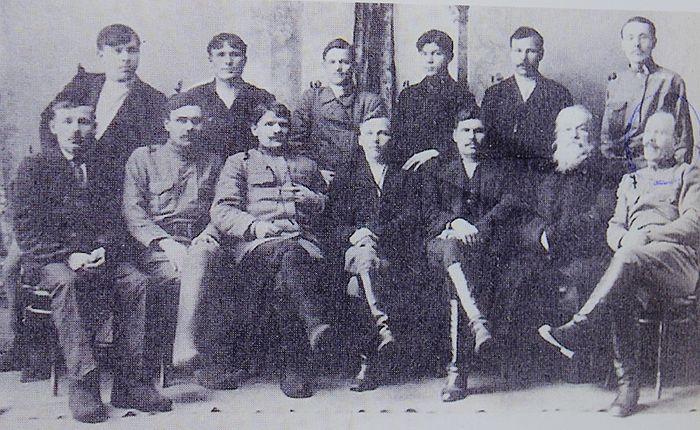 Павел Елькин в нижнем ряду (крайний справа). Фото из архива Свято-Казанского храма