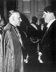 Гитлер и архиепископ Цезарь Орсениго, папский нунций в Берлине