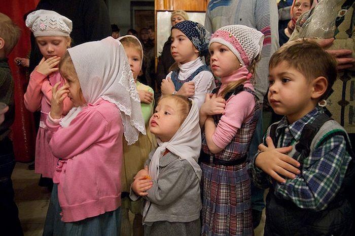 Дети перед Причастием