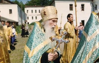 Архимандрит Кирилл (Павлов) в Валаамском монастыре. Крестный ход в день памяти преподобных Сергия и Германа Валаамских. 11 июля 1996 года