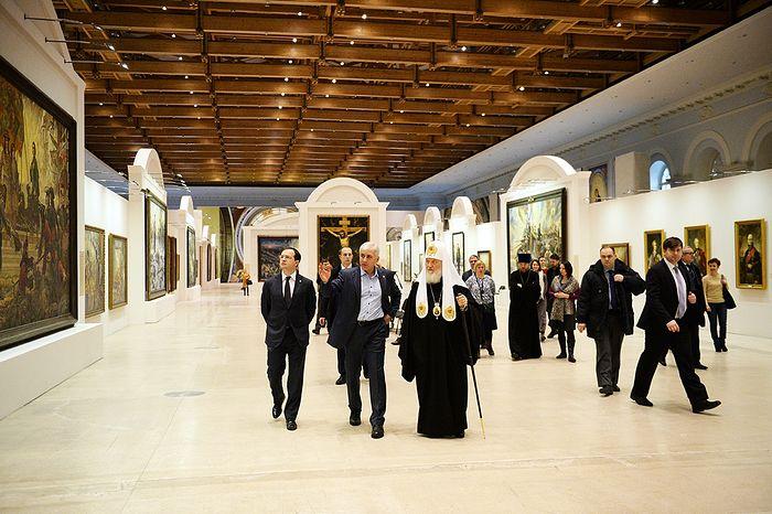 Святейший Патриарх Кирилл посетил выставку художника В.И. Нестеренко в Москве