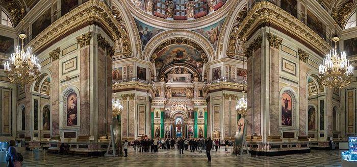 Панорама внутреннего убранства Исаакиевского собора, фото: ru.wikipedia.org