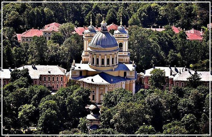 Свято-Троицкий собор Александро-Невской Лавры, фото: lavra.spb.ru