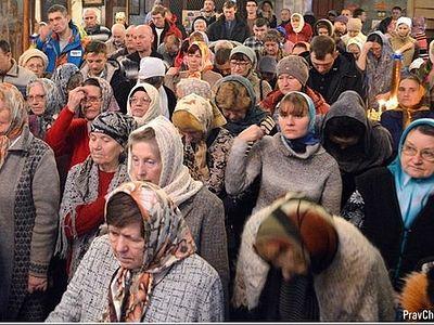 На Тернопольщине верующие ночуют в своих храмах, чтобы не допустить их захвата раскольниками