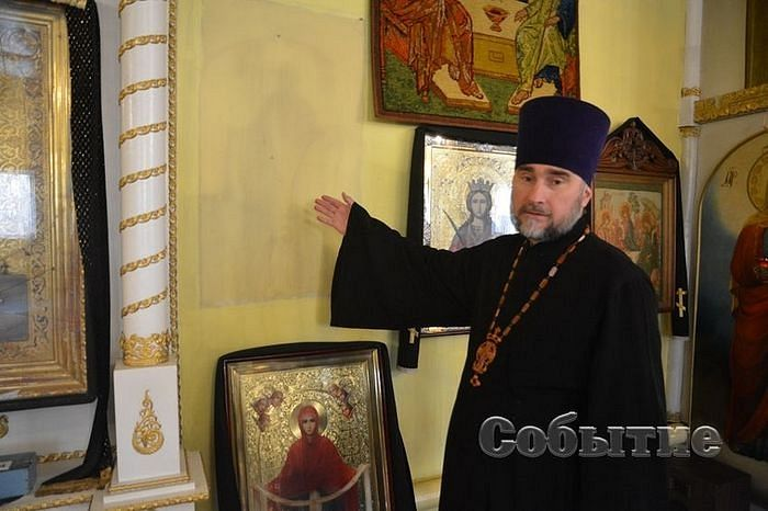 IMAGE OF THEOTOKOS APPEARS ON WALL IN KAMENSK CHURCH