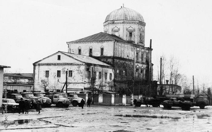 Йошкар-олинский пивзавод, располагавшийся в соборе Вознесения Господня в Йошкар-Оле. 1981 г. Фото: http://www.temples.ru