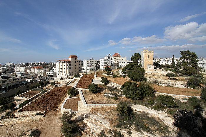 Вид на библейский сад и башню, построенную архимандритом Антонином (Капустиным)