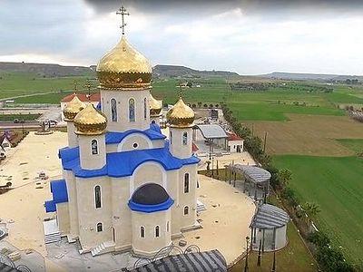 Первый русский храм на Кипре открыл двери для верующих