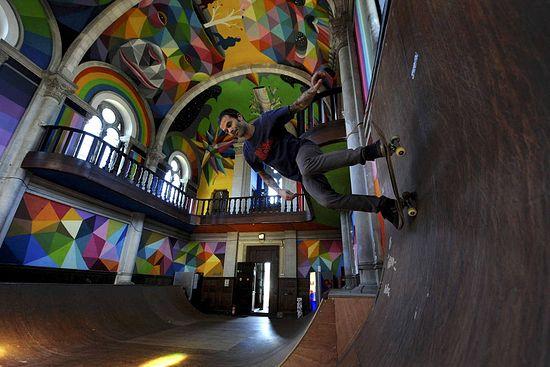 Заброшенная церковь Святой Варвары на севере Испании превратилась в скейт-парк. Фото: reutersxo