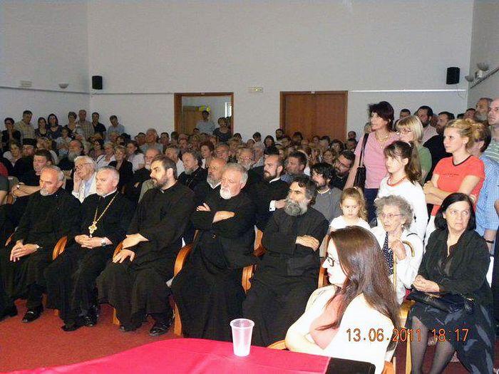 На презентации в приходском доме собора Святого Саввы в Белграде