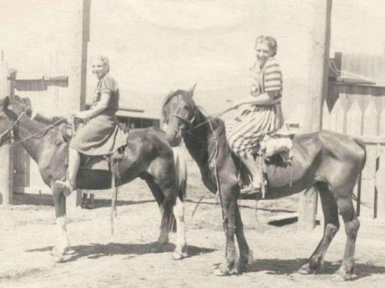 В Туве в кочевья к больным доктор добиралась верхом на лошади