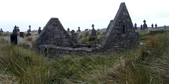 Monastic ruins 'Teaghlach Einne' in Inishmore (photo by J. Demetrescu from 'Saints and Stones')