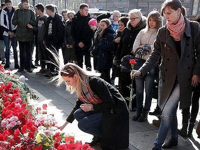 Трагедия в Петербурге пробудила человеколюбие