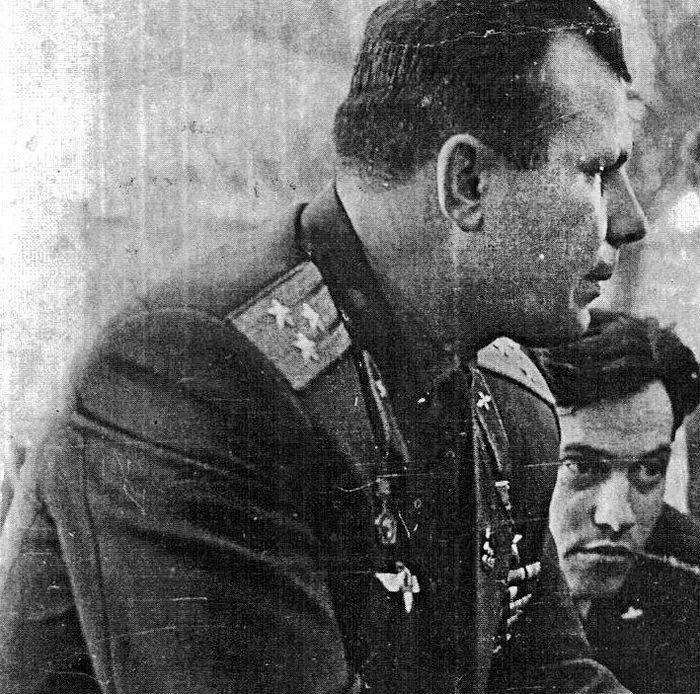С Юрием Гагариным, первым человеком в космосе, героем Советского Союза