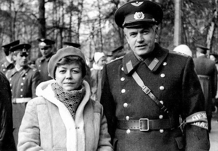 С супругой Ольгой Федоровной в последнее дежурство по академии им. Ю. А. Гагарина