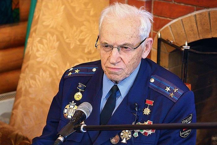 Большинство наград Валентина Петрова — церковные