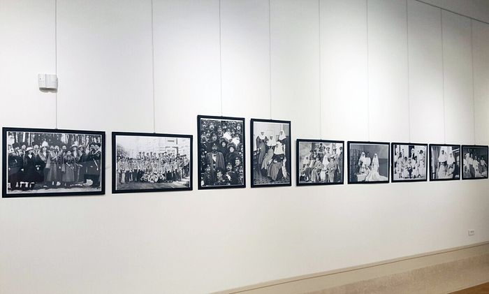 Экспозиция выставки в Русском доме в Белграде