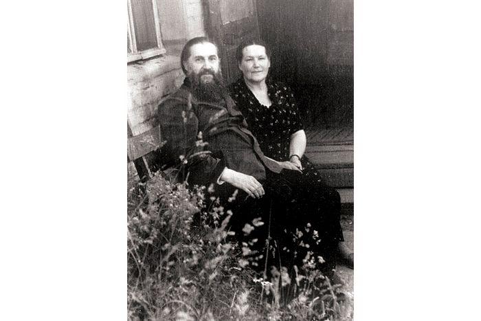 Родители отца Валериана Кречетова
