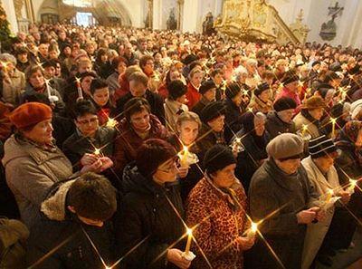 Светлое Христово Воскресение для всех, или Как лучше всего отстоять Пасхальную всенощную без затруднений?
