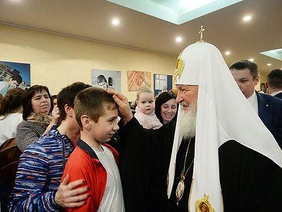 На Пасху Святейший Патриарх Кирилл посетил Российскую детскую клиническую больницу в Москве