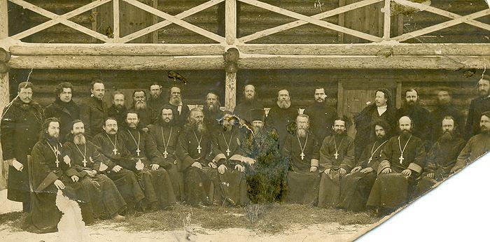 Отец Иоанн Головков со священниками Вологодской епархии. Фото из архива отца Георгия Модянова