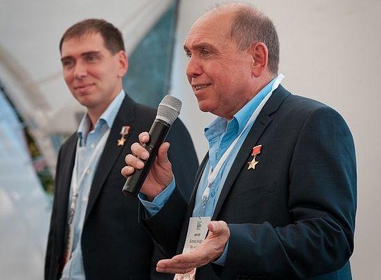 Сергей и Александр Волковы, космонавты, герои СССР и России. Фото: Евгений Салганик