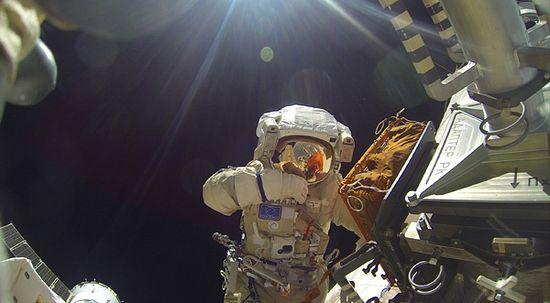 Сергей Волков в открытом космосе. Фото со страницы социальной сети «ВКонтакте»