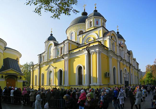 Женски Покровски манастир у Москви, где се чувају мошти Блажене Матроне
