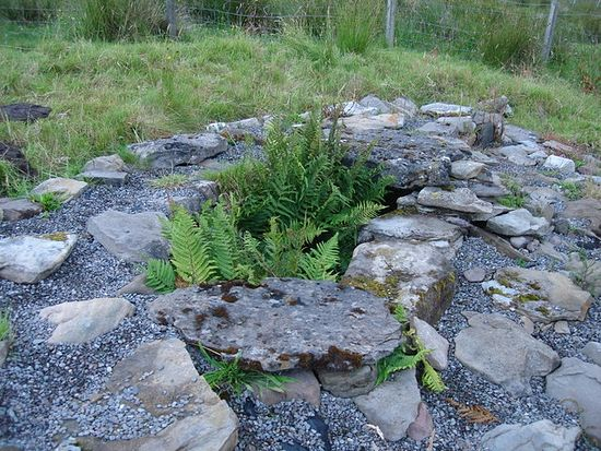 St. Maelrubha's well at Ashaig, Skye (source - Carys Brewster from Geograph.org.uk)