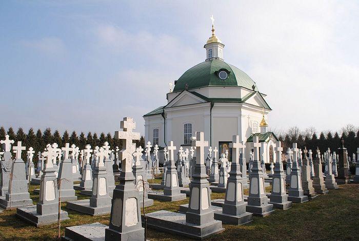 Братское кладбище Почаевской лавры