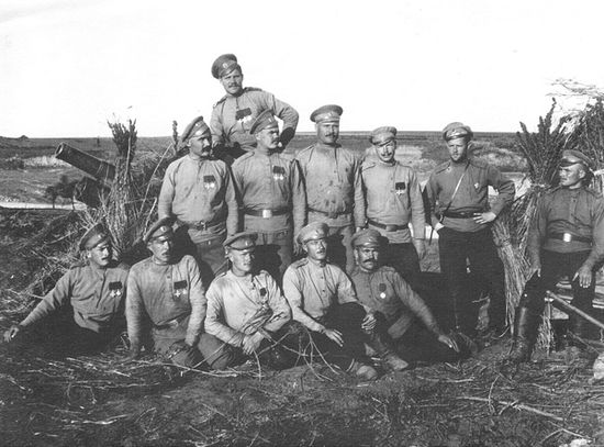 23 артбригада, позиция у д. Плотыч на р.Серет, 4-е орудие. 25.8.1915 г.