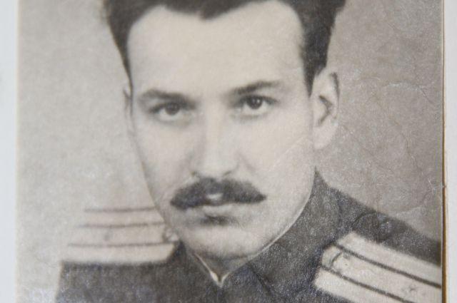 Командир роты штрафбата Александр Пыльцын