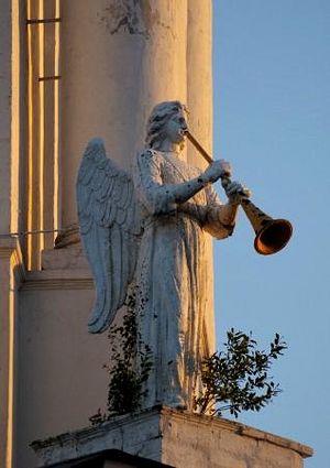 Ангел на колокольне Всехсвятского собора Тулы