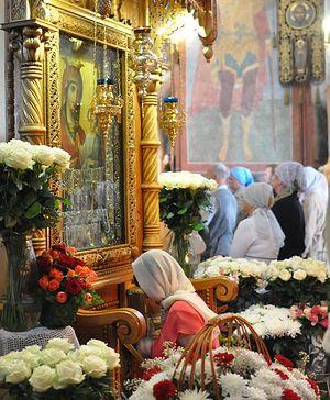 Чудотворный образ Пресвятой Богородицы Иверская в главном храме монастыря