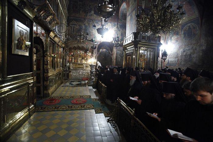 Братский молебен у мощей преподобного Сергия
