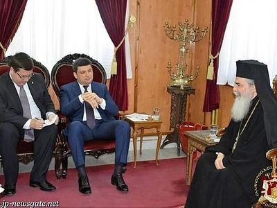 Патриарх Иерусалимский Феофил III призвал украинские власти не вмешиваться в церковные дела