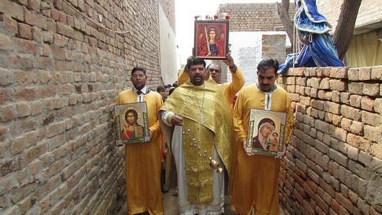 Cross Procession. Photo: archangelmichaelmission.wordpress.com