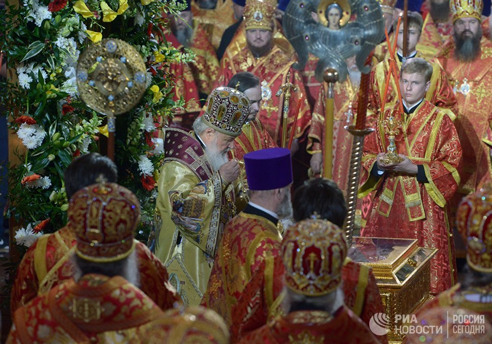 Relics of St. Nicholas ceremoniously greeted at Christ the ...